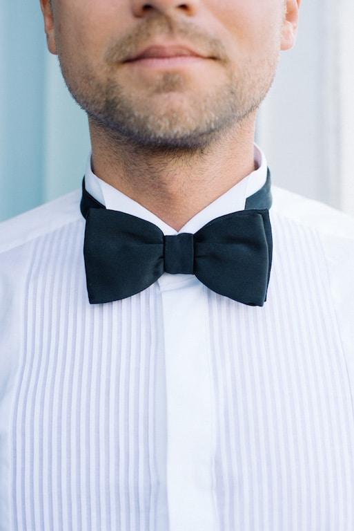 Dettaglio outfit sposo