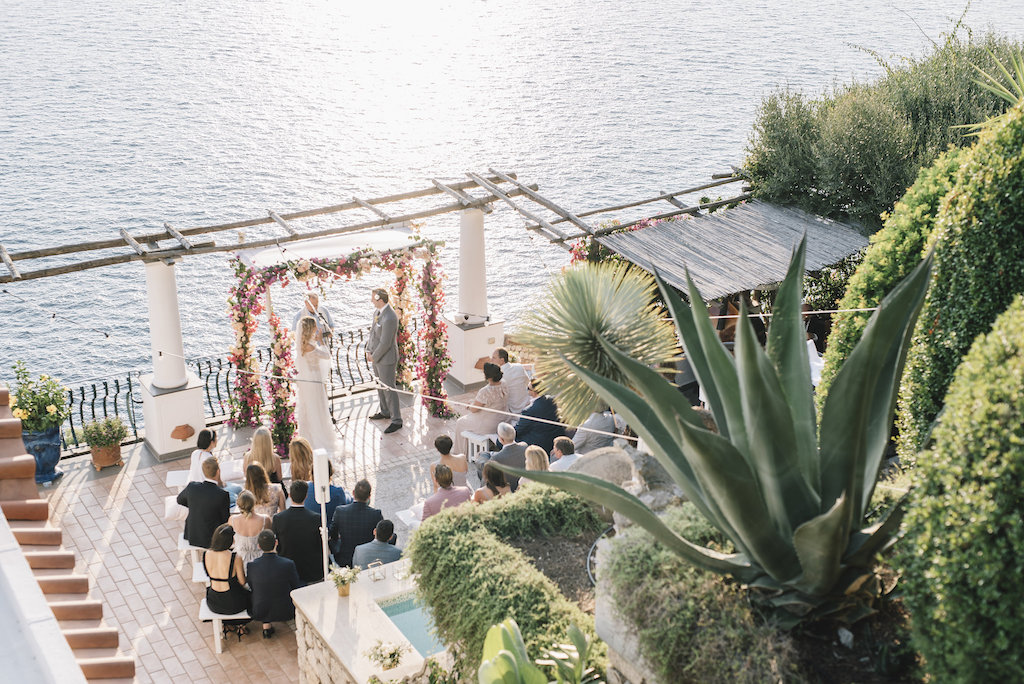 Beautiful wedding in a private villa in Capri